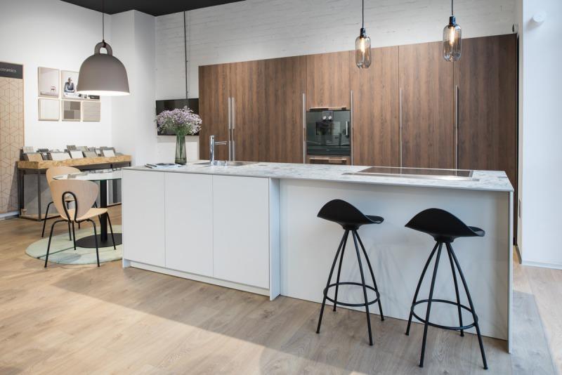 fotos interiores showroom cocinas santos